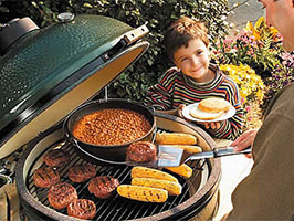 Big Green Egg with Kid